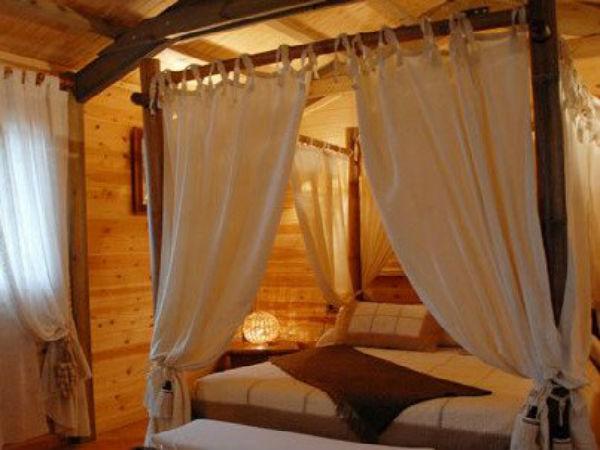 SERVICIO DE HOTEL <br>Reserva tu habitación  AQUÍ.